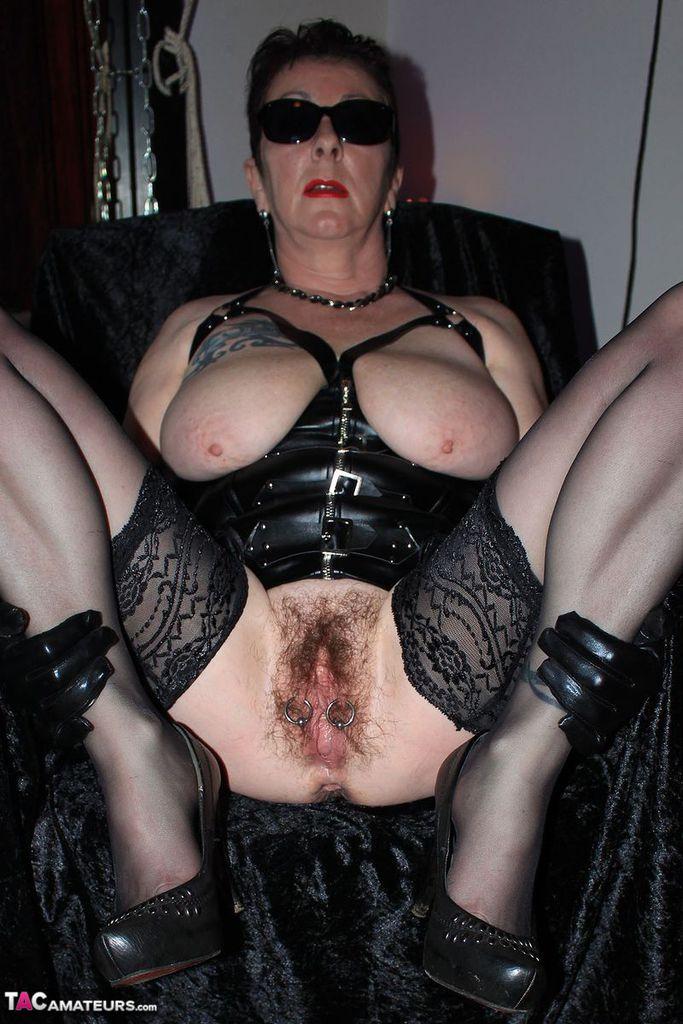 Hairy pussy mistress