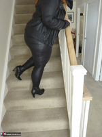 Mrs Leather. Cumpie Covering Free Pic 3