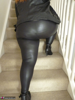 Mrs Leather. Cumpie Covering Free Pic 5