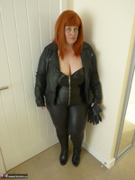 Mrs Leather. Cumpie Covering Free Pic 6