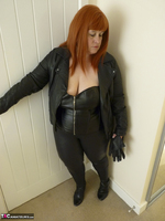 Mrs Leather. Cumpie Covering Free Pic 7