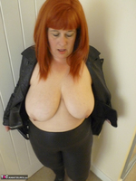 Mrs Leather. Cumpie Covering Free Pic 10