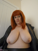 Mrs Leather. Cumpie Covering Free Pic 12