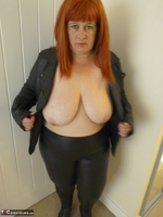 Mrs Leather. Cumpie Covering Free Pic 13