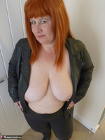 Mrs Leather. Cumpie Covering Free Pic 17