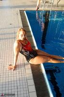 Sweet Susi. The Indoor Swimming Pool Free Pic 1