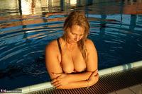 Sweet Susi. The Indoor Swimming Pool Free Pic 7