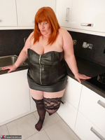Mrs Leather. My Leather Kitchen Worktop Free Pic 4