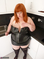 Mrs Leather. My Leather Kitchen Worktop Free Pic 9