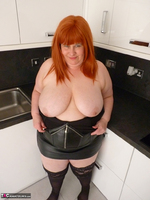 Mrs Leather. My Leather Kitchen Worktop Free Pic 10