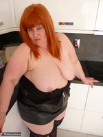 Mrs Leather. My Leather Kitchen Worktop Free Pic 12