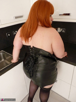 Mrs Leather. My Leather Kitchen Worktop Free Pic 19