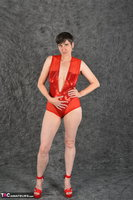 Hot Milf. Red Body Free Pic 5