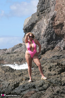 Curvy Claire. Mankini On The Rocks Pt1 Free Pic 1