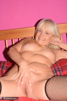 Phillipas Ladies. Lil Spreads Her Legs & Uses Her Dildo Free Pic 4