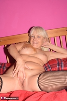 Phillipas Ladies. Lil Spreads Her Legs & Uses Her Dildo Free Pic 5