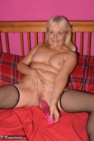 Phillipas Ladies. Lil Spreads Her Legs & Uses Her Dildo Free Pic 10