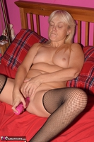 Phillipas Ladies. Lil Spreads Her Legs & Uses Her Dildo Free Pic 18