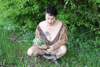 Mary Bitch. Picking Flowers In The Forest Free Pic 11