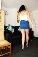 Raunchy Raven. Raven Cleans In Her Tights & CFM Heels Pt1 Free Pic 17