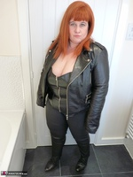 Mrs Leather. Leather Rock Chick Pt1 Free Pic 1