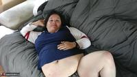 Sexy NE BBW. Sassy in the living room Free Pic 2