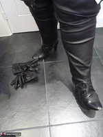 Mrs Leather. Leather Rock Chick Pt2 Free Pic 12