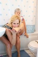 . Savana & Molly In The Bathroom Free Pic 2