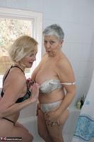 . Savana & Molly In The Bathroom Free Pic 8