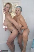 . Savana & Molly In The Bathroom Free Pic 14