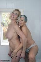 . Savana & Molly In The Bathroom Free Pic 16