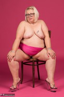 Lexie Cummings. Pink Sarong On The Chair Free Pic 11