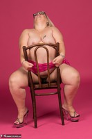 Lexie Cummings. Pink Sarong On The Chair Free Pic 18
