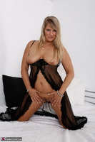 Sweet Susi. Blonde Milf In Bed Free Pic 13