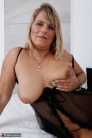 Sweet Susi. Blonde Milf In Bed Free Pic 17
