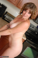 Misty B. Getting wet in the kitchen Free Pic 16