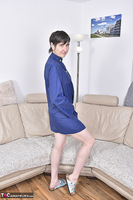 Hot Milf. Blue Apron Free Pic 1