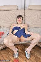 Hot Milf. Blue Apron Free Pic 20