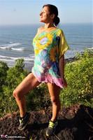 Diana Ananta. Cliff Free Pic 4