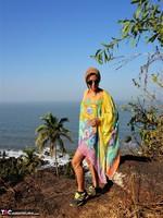 Diana Ananta. Cliff Free Pic 11
