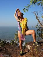 Diana Ananta. Cliff Free Pic 14