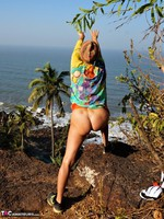 Diana Ananta. Cliff Free Pic 18