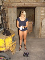 Sweet Susi. On The Construction Site Free Pic 20