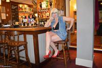 Barby Slut. Barby Naughty In The Pub Free Pic 1