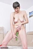 Hot Milf. Green Dildo Pt2 Free Pic 18