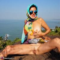 Diana Ananta. Strip On The Cliff Free Pic 14