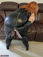 Mrs Leather. Undo My Lerather Zipped Skirt Free Pic 7