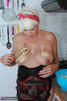 . Messy In The Kitchen Free Pic 16
