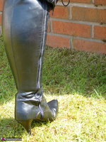 Mrs Leather. Boot Worship Free Pic 2