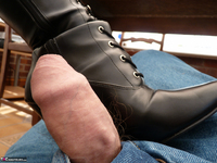 Mrs Leather. Boot Worship Free Pic 15